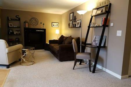 Cozy & Comfortable 2 Bedroom Condo - Lincoln - 公寓