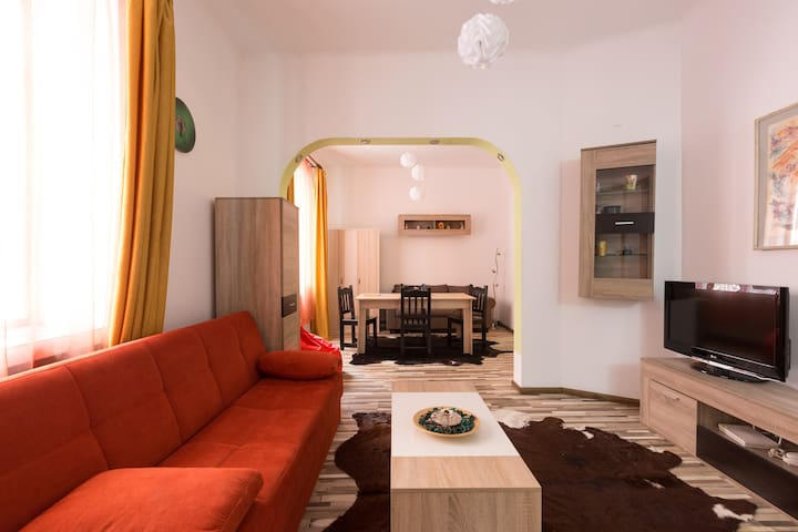 Central Charming Apartment - Bucharest