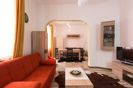 Central Charming Apartment - Bucharest - Apartment