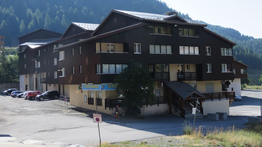 Beau studio centre station - Allos - Apartemen