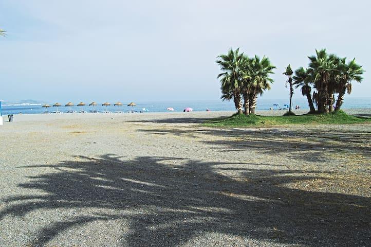 ALMUÑÉCAR A 200 metros de Playa Puerta del Mar NEW