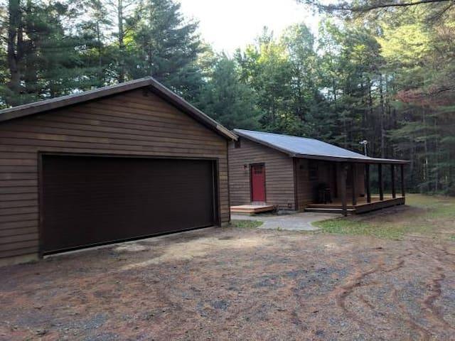 Cozy Adirondack Cabin