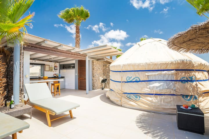Lux Eco Chico Yurt, Beach, Pool, WIFI, Play Park
