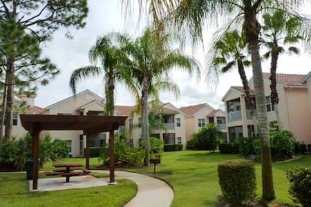 PGA Village Condo 2BR/2BA & Hot Tub 9989 - Port St Lucie