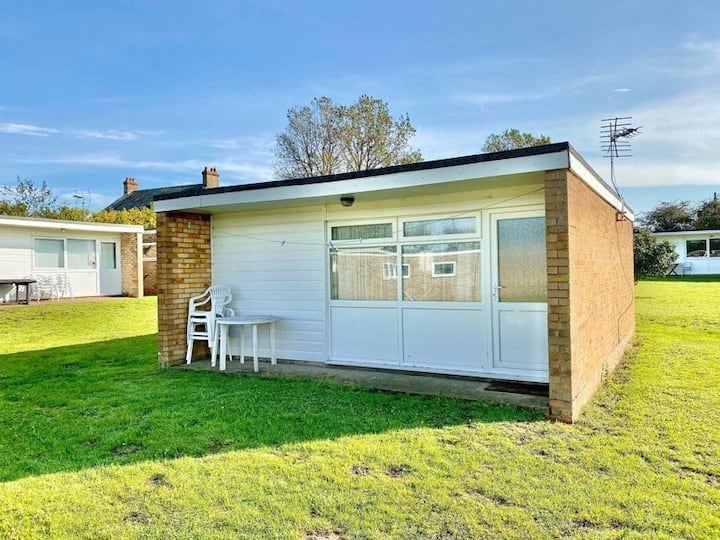 Hemsby Chalet 166- Florida Park- modern and cosy