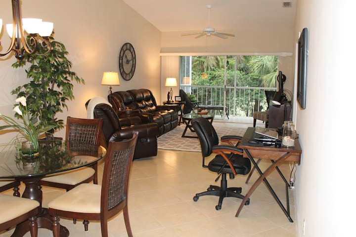 Falling Waters Condo Naples Fl