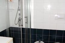 I servizi con doccia e bidet