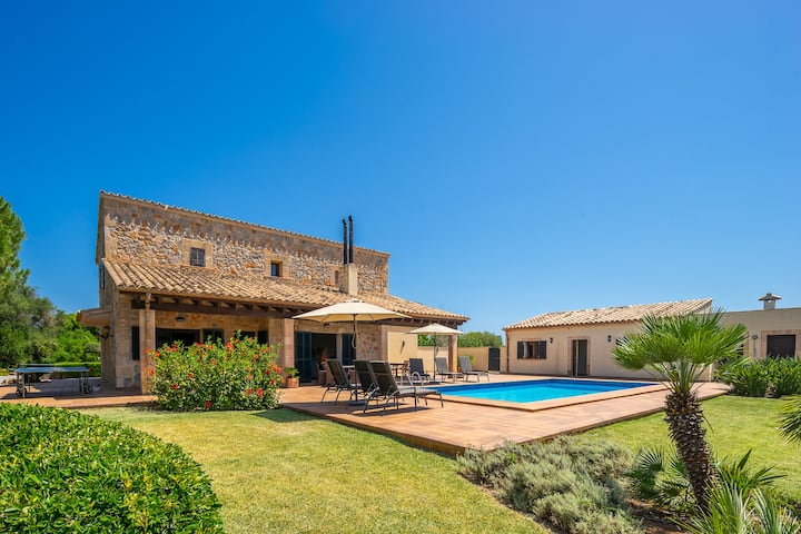 Stunning villa in the countryside of Pollensa