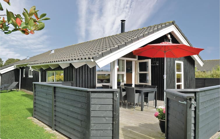 Holiday cottage with 3 bedrooms on 100m² in Juelsminde