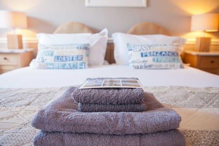 The Georgian House - Bed & Breakfast