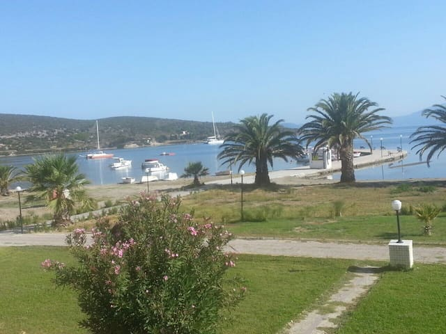 2 FLOOR 2 BEDROOM HOUSE BY THE SEASIDE - Çeşme - Hus