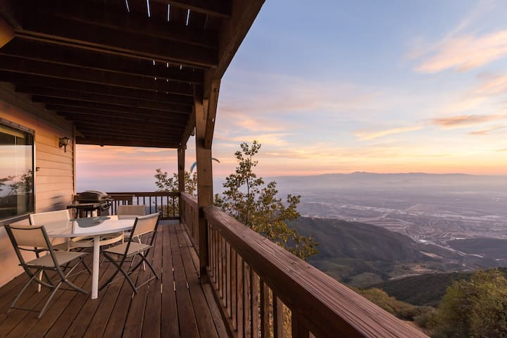 Mountain Ridgeline Home with Incredible Views!!!