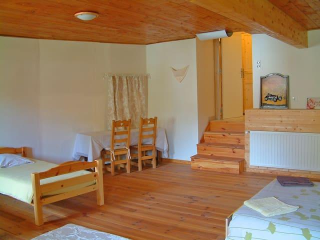 Grande chambre (40 m²) Gap-Tallard-Serre Poncon