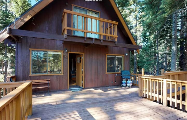 New! Perfect Family Home- Close to hiking, skiing, and year-round activities!