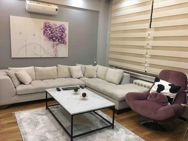 Spacious luxury apartment in Mecidiyekoy square.
