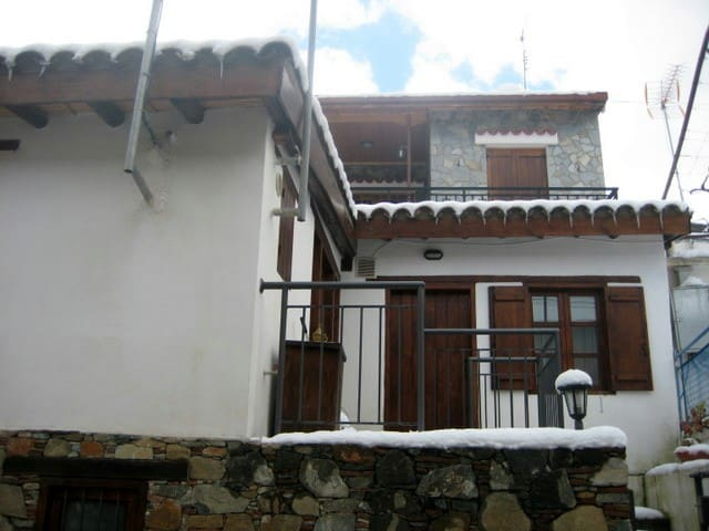Antigone's house - Spilia - Hus