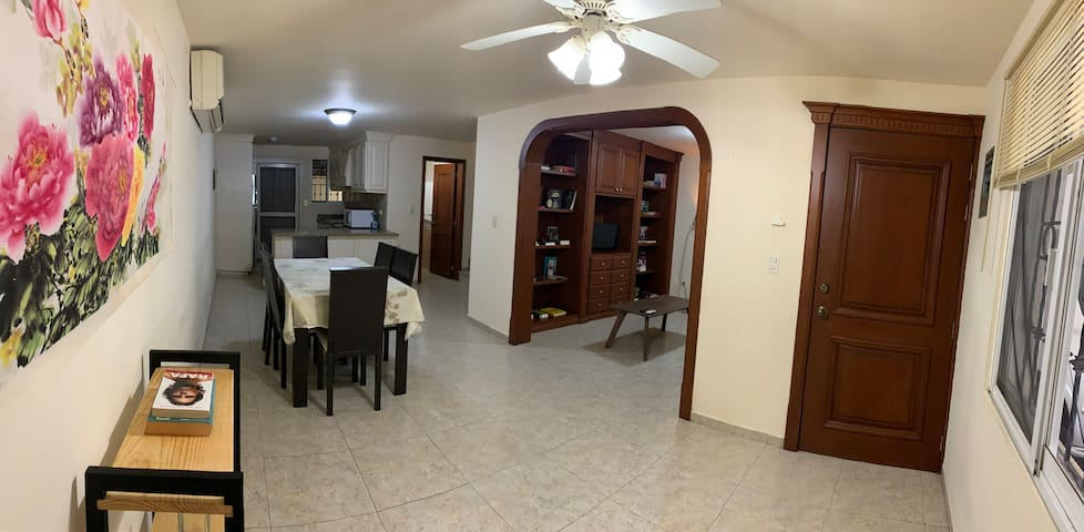 Clean house with garage, wifi, 15 min downtown