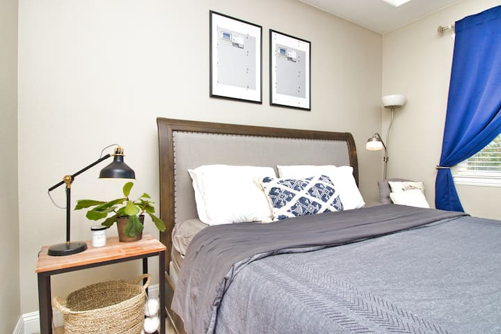 Modern and Decorated Master Suite in Newark