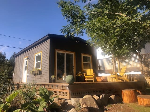Tiny house living in Lunenburg Town