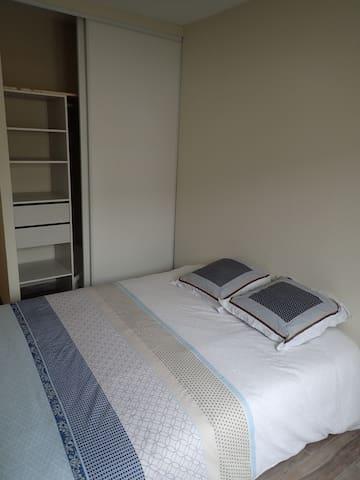Chambre 2 couchages, lit bébé