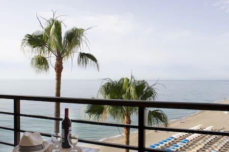 Sea front studio with spacious balcony Santa Clara