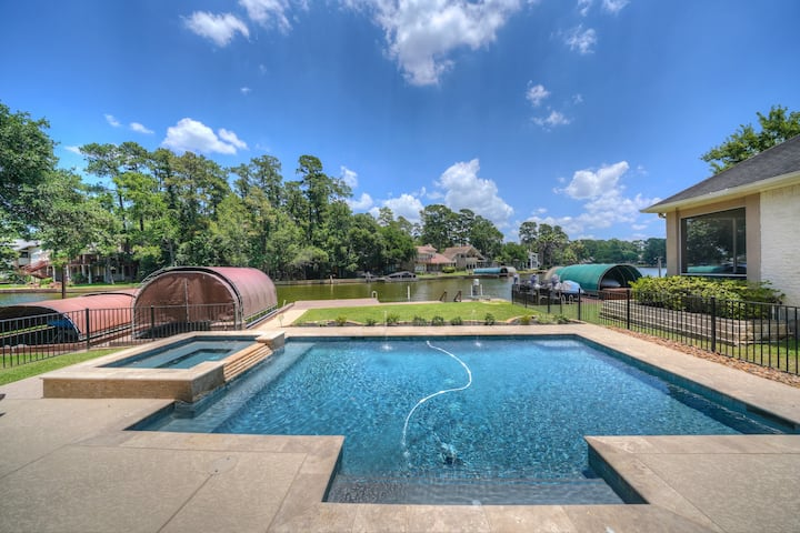 Lakefront Home w/Pool/Spa on cove on Lake Conroe