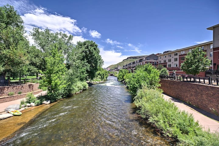 This apartment is right in downtown Golden offering you attractions!