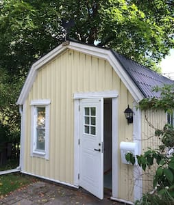 Pretty little house north Stockholm - Sollentuna - Cabana