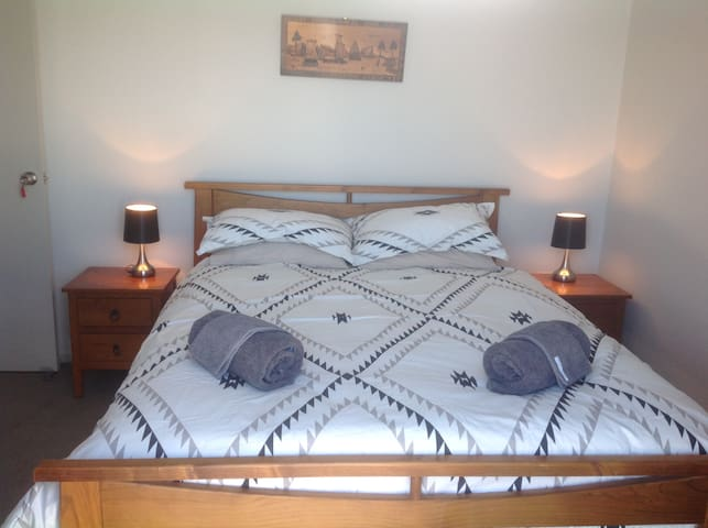 Riverstone Retreat - Pukeko Room - Tauranga - House