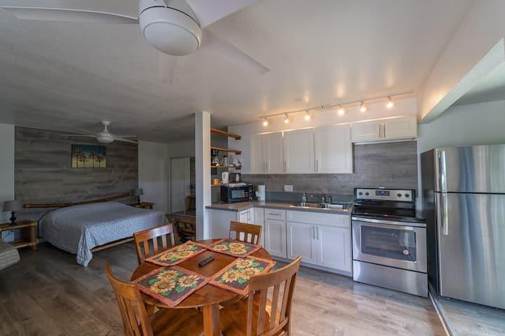 Pu'u Koa Palms Studio Full Kitchen (52D)