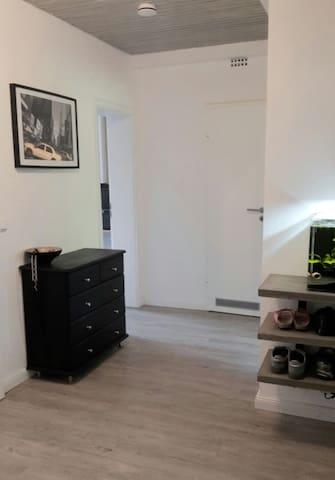 Schönes helles Zimmer Nähe Hbf und Kieler Zentrum