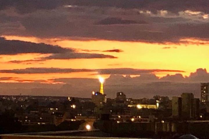 2 pièces cosy et vue dégagée sur la tour Eiffel