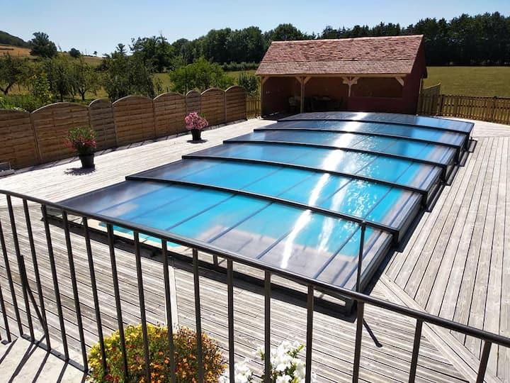 Gîte pour 6 avec piscine privée, à Senailly