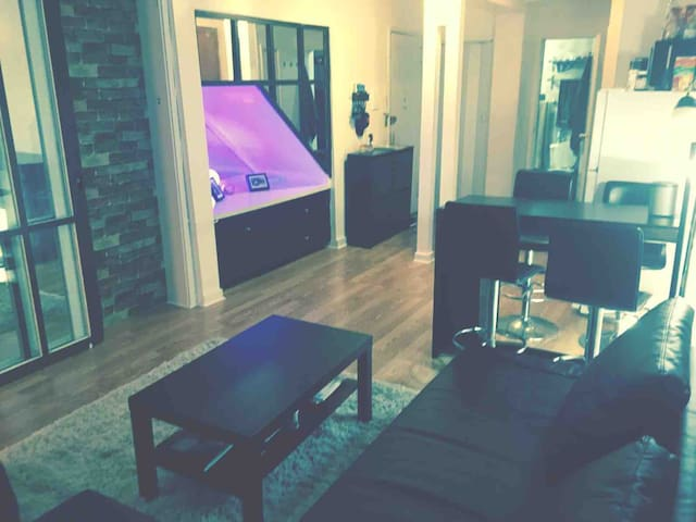Modern 1BR Apt in the Heart Of NYC