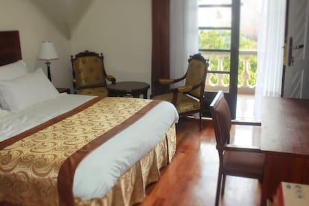Grande chambre privée avec terrasse