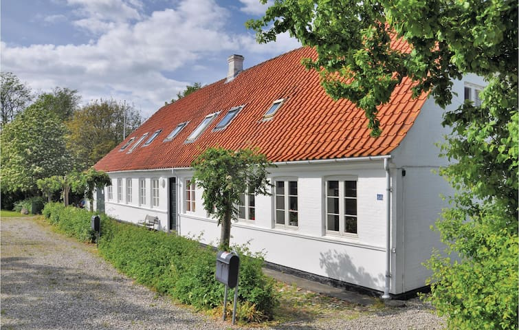 Semi-Detached with 3 bedrooms on 90m² in Faaborg