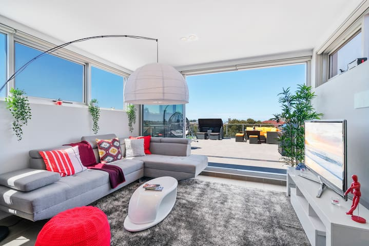 ☀ PENTHOUSE PAD HUGE SUNNY TERRACE AIR-CON ❤ Bondi