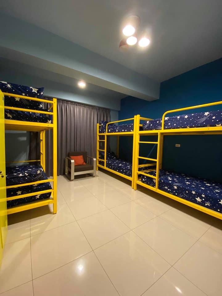 @全新房 超值背包客6人房 溫馨舒適 環境清幽 一夜好眠 近鬧區方便