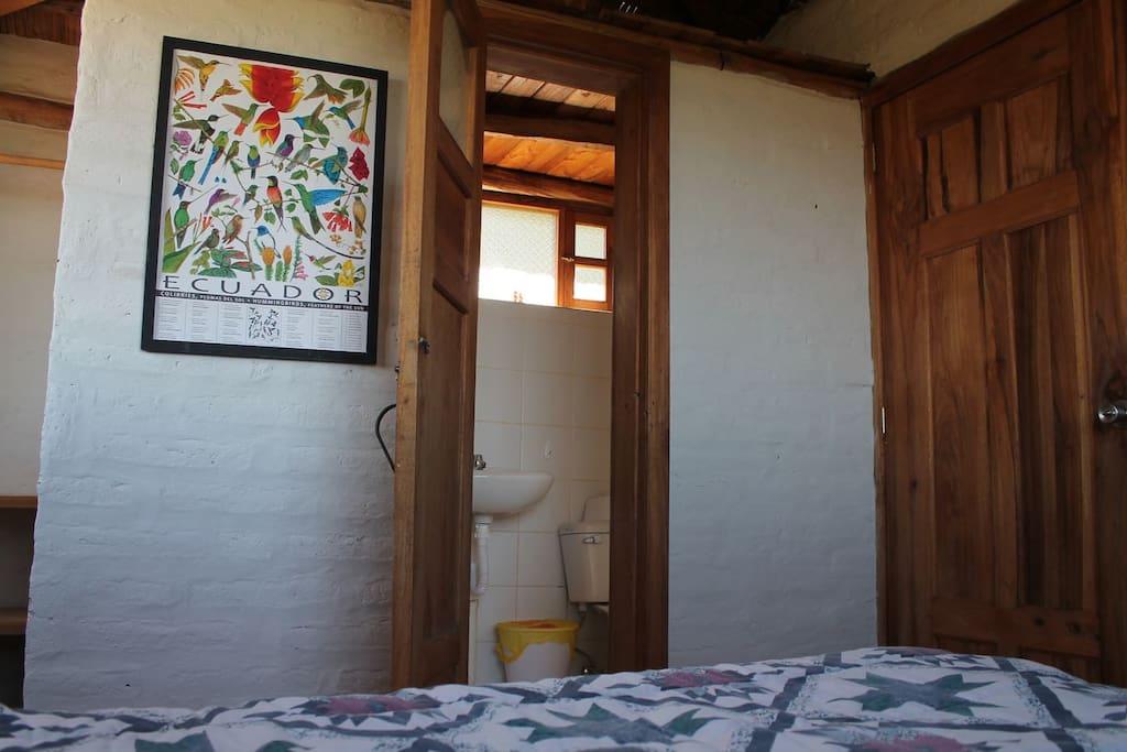 Baño privado, agua caliente Private bathroom with hot shower!
