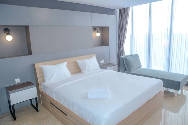 Exclusive 1 BR L'Avenue Apartment