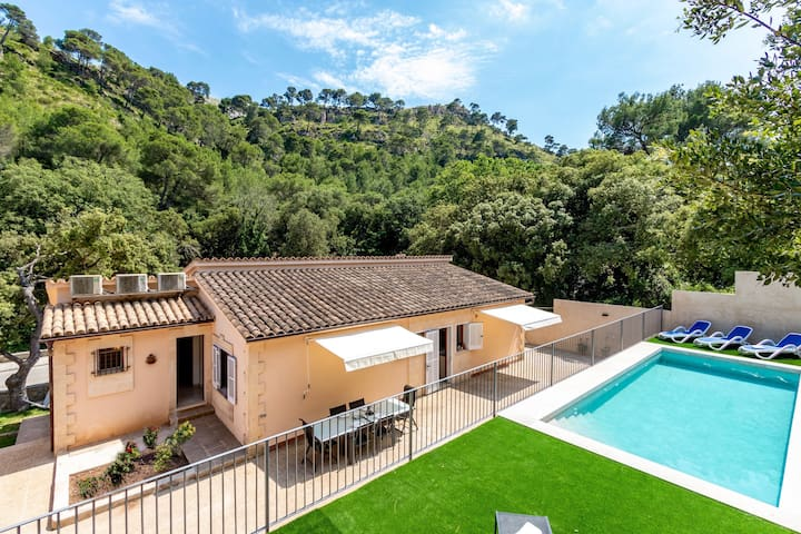 Beach Villa Amigos with private pool