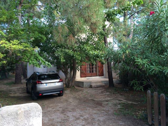 Maison agréable bien équipée  200m de la plage - Lecci - 別墅