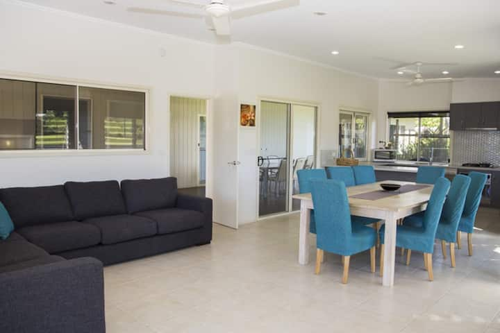 Solitaire - Tropical Style - 3 bedrooms