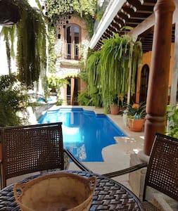 Cozy, Clean, Family house - Antigua Guatemala - Hus