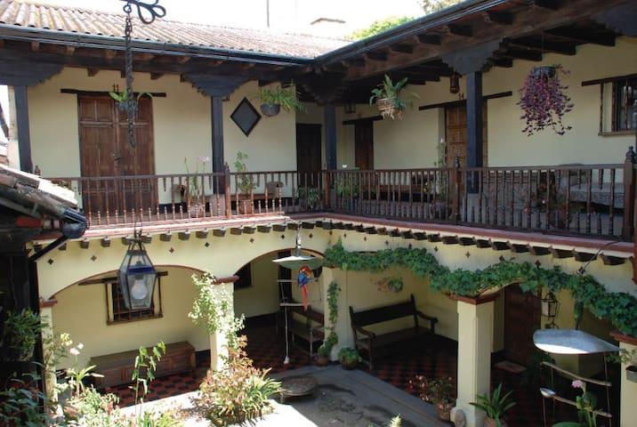 Hotel Museo Mayan Inn - Chichicastenango - Andre
