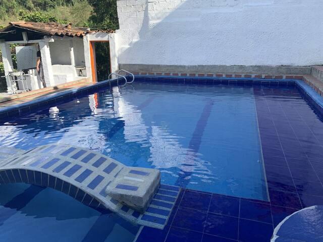 Villa Blanca (Piscina, BBQ, zona verde y más)
