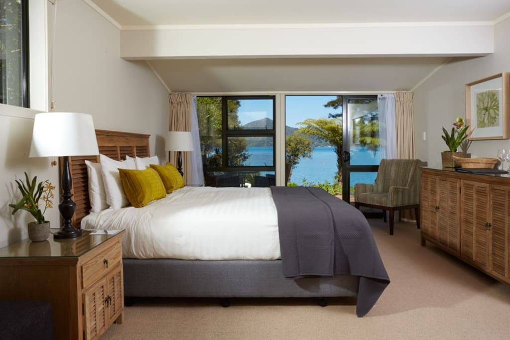 Seaview Rooms