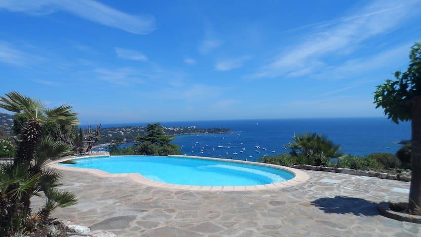 Villa vue mer piscine chauffée - Saint-Raphaël - Villa