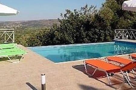 Stillos Villa for Sun sand beach Pool Relaxation - Stilos - 独立屋