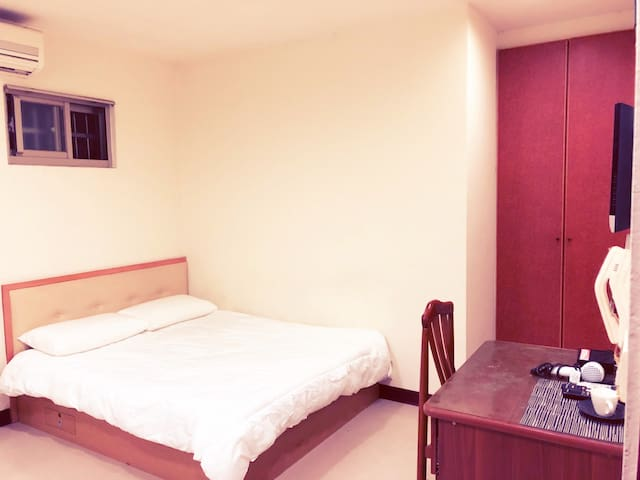 Large, Apartment,station 5 min台北taipei